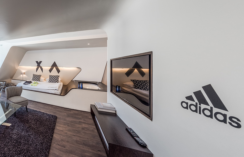Adidas-Branding - Werbeproduktion - Q-Hotel