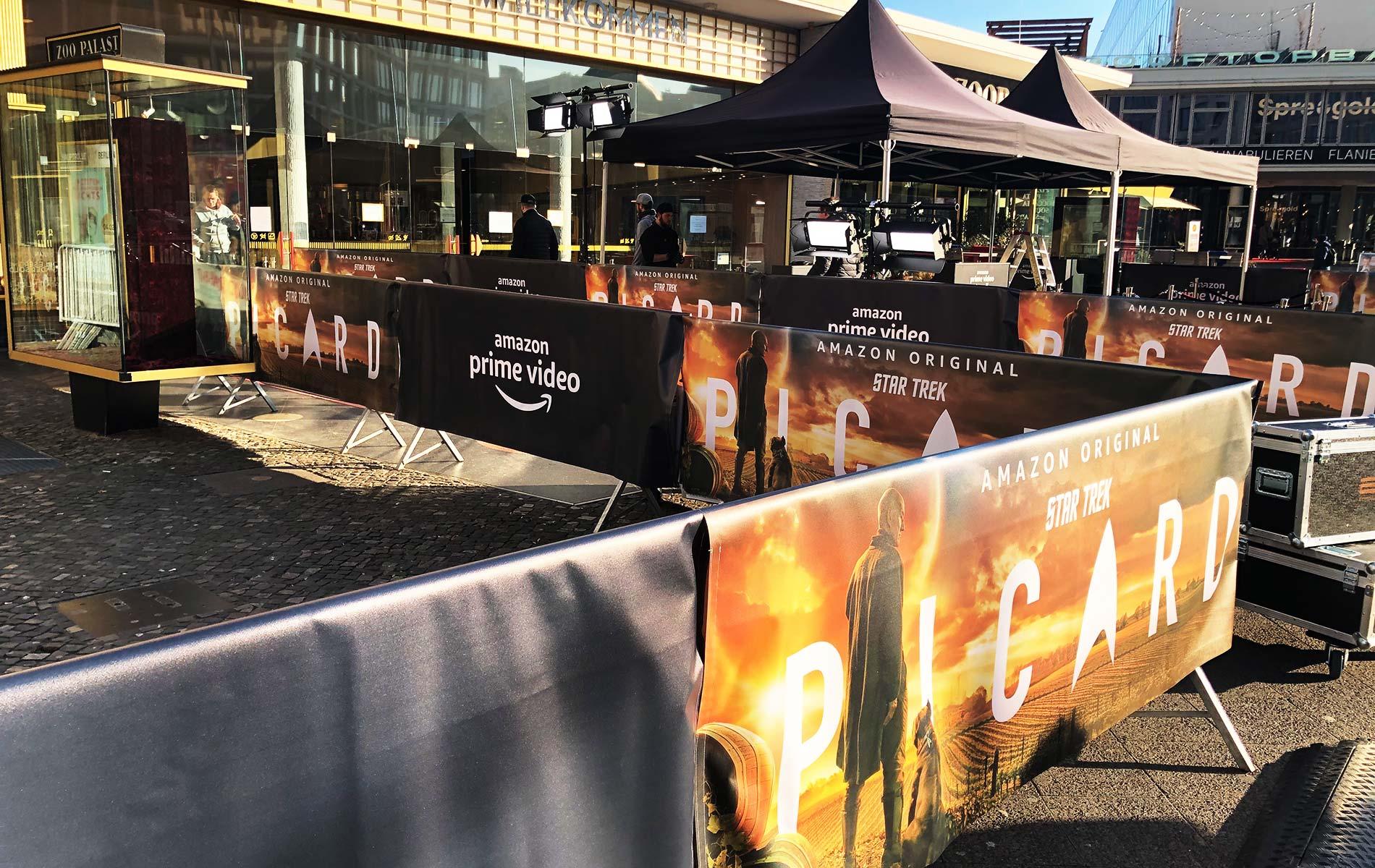Uups: Hilfe beim Set-Abbau der Amazon Star Trek Premiere durch Diebe ;)